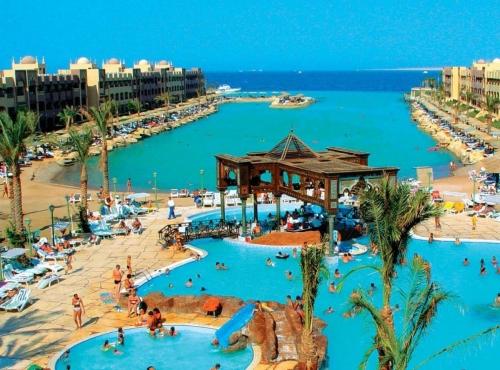 Красивый пляж в Шарм-эль-Шейхе