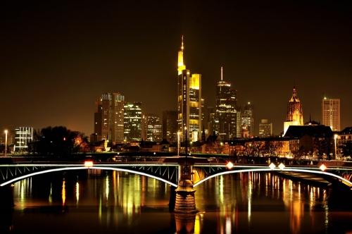 Ночной город в Германии