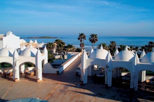 Белые строения в Марокко