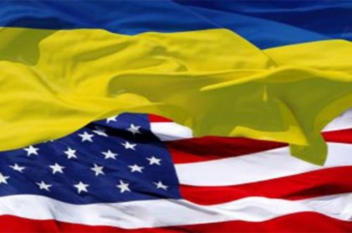 Украинский и американский флаг