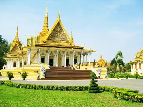 Красивое здание в Камбодже