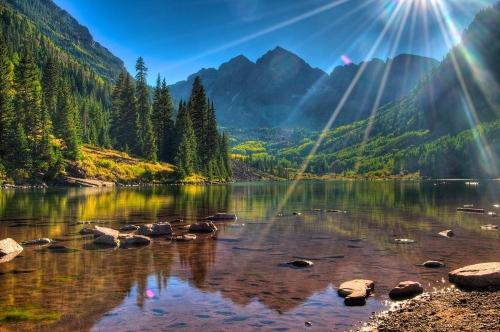 Красивый вид на горы в Абхазии
