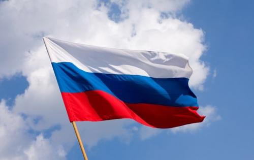 Флаг России на ветру