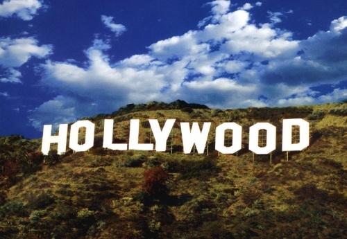 Надпись Голливуд в Америке