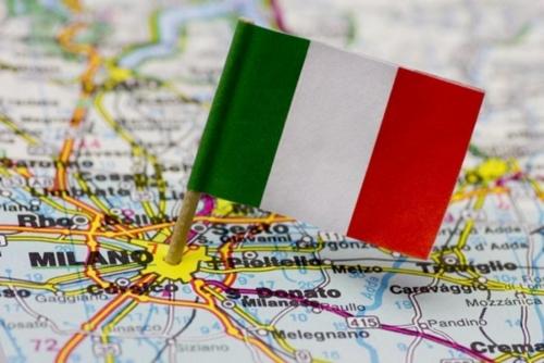 Карта Италии и флаг