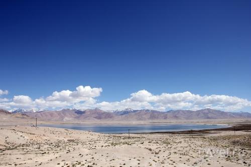Пейзаж с водоемом в Таджикистане