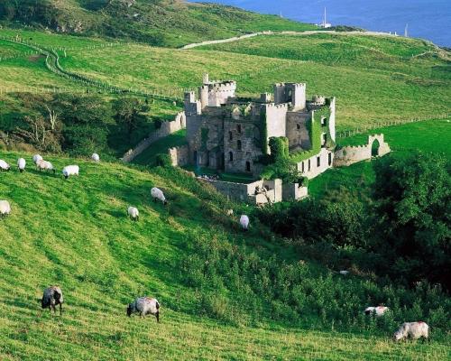 Руины замка в Ирландии
