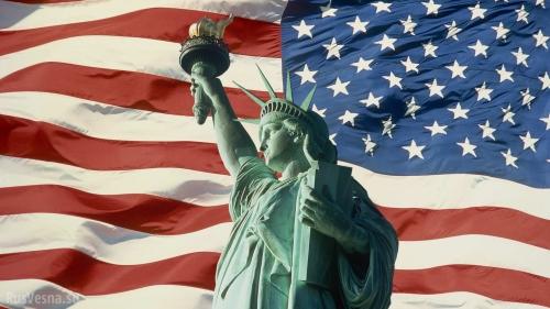 Американский флаг и статуя свободы