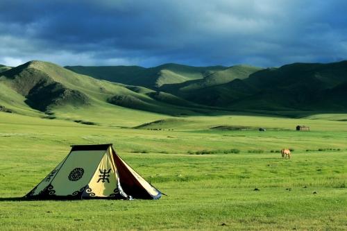 Палатка в монгольской степи