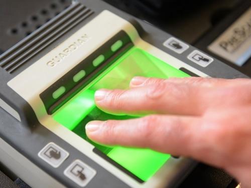 Снятие отпечатков для нового типа визы